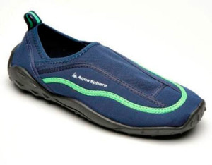 Как выглядит неопреновая обувь для пляжа и бассейна
